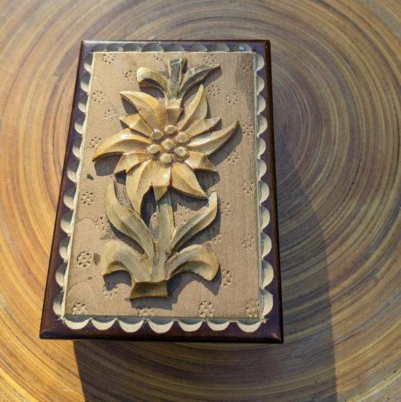 🍓3/$13 Vintage Box